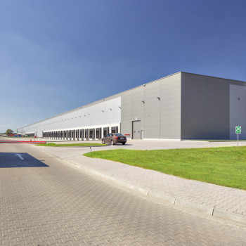 Goodman Airport Poznan Logistics Centre_02.jpg